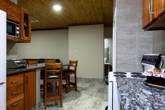 Gariep, A Forever Resort: 4-Sleeper Chalet. 2 bedrooms (1 double bed & 2 single beds)